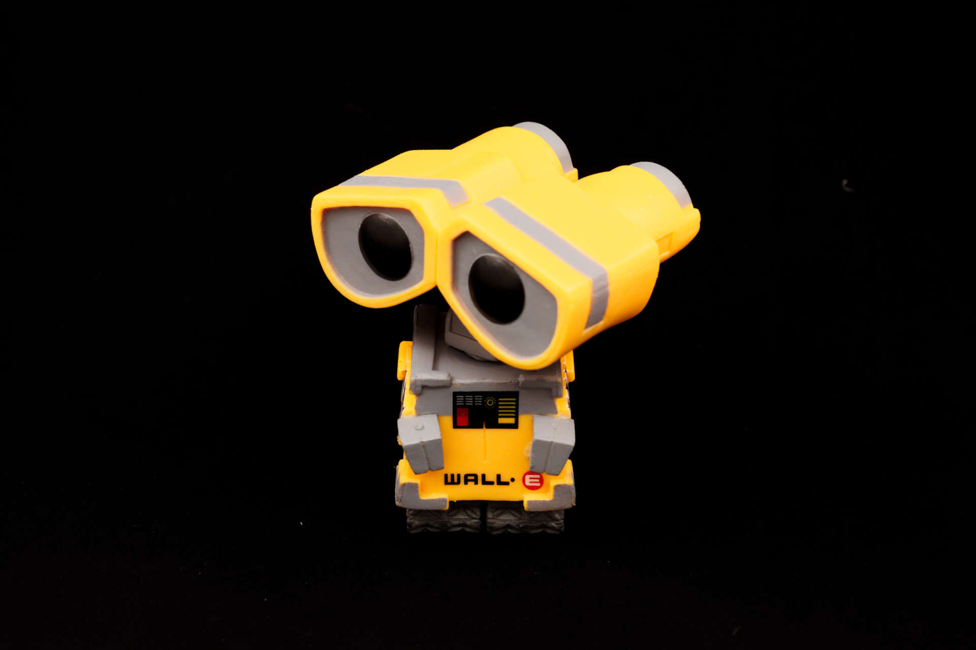 006-packshot wall e